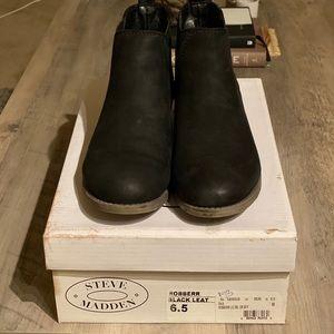 Steve Madden Chelsea Boots ✨